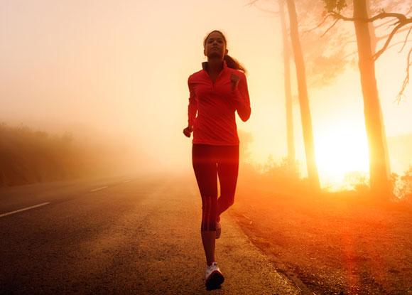 alergatul dimineata slabeste